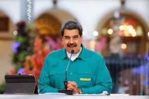 Nicolás Maduro se sienta a negociar con la oposición en México
