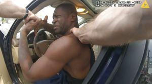 Video de cámara policial muestra arresto de George Floyd desde otro ángulo