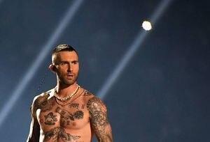 Presentación de Maroon 5 en Super Bowl vs la de Viña del Mar