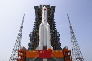 Lo que faltaba: gran cohete chino podría caer en Chile