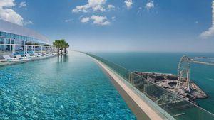 Dubái estrena la piscina más profunda del mundo