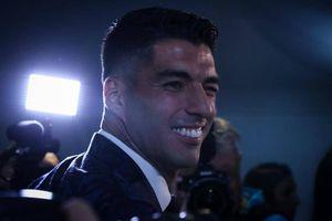 El llanto inconsolable de Luis Suárez al despedirse de sus compañeros del Barcelona