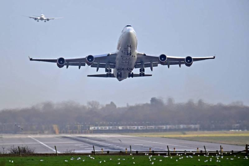 EU agrega siete destinos a la lista de riesgo por viaje por COVID-19 muy alto