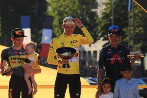 """Richard Carapaz celebró el podio del Tour de Francia junto a sus hijos: """"Los sueños sí se cumplen"""""""