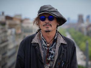 Johnny Depp envía un emotivo agradecimiento a los fans que lo respaldan a pesar de quienes quieren perjudicar su carrera