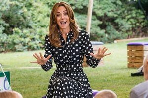 Kate Middleton sin maquillaje y con moño despeinado prueba que es una mamá como todas