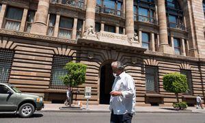Se encarece costo del dinero; Banxico sube tasa de interés a 4.5%