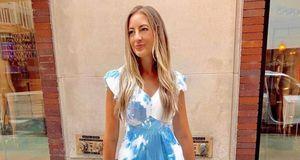 Los 5 mejores looks con vestidos tie dye a imitar en el verano