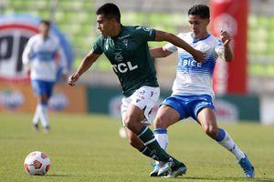 """Católica ganó al colista con un """"gol del viento"""" y es puntero del torneo"""