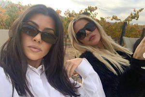 Khloé Kardashian le hace una pesada broma a su hermana Kourtney y deja su casa destruida